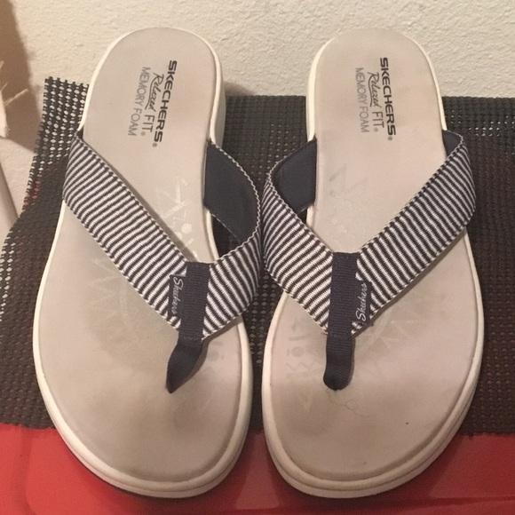 Skechers Shoes - ♥️ Sketchers flip flop Sz.10